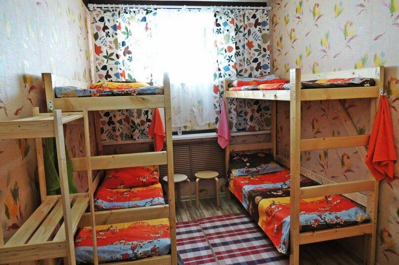 Кровать в 4х местном номере, Мефодиевская улица, 1А, Новороссийск - Фотография 1