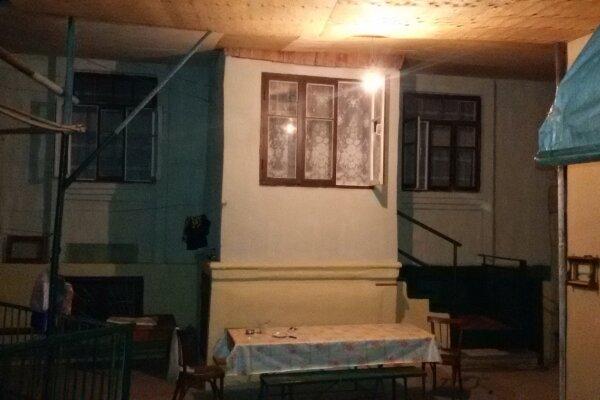 Дом, 100 кв.м. на 12 человек, 5 спален, Цандрыпш, Лакоба, 78, Гагра - Фотография 1