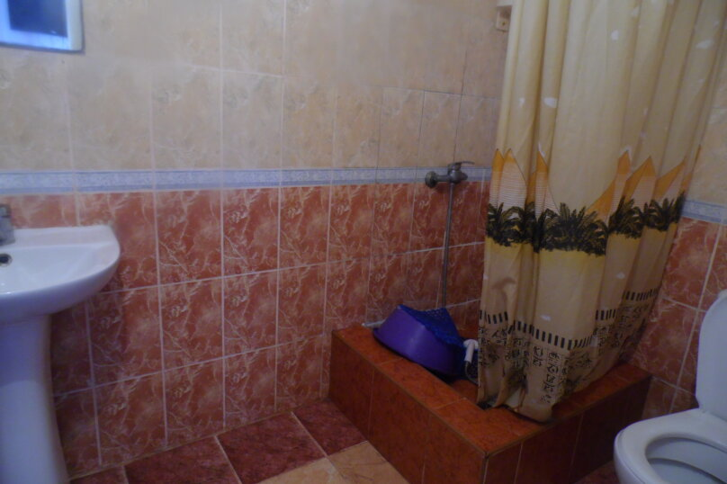 Гостевой дом  У Тимура , улица Мусы Мамута, 15 на 13 комнат - Фотография 47