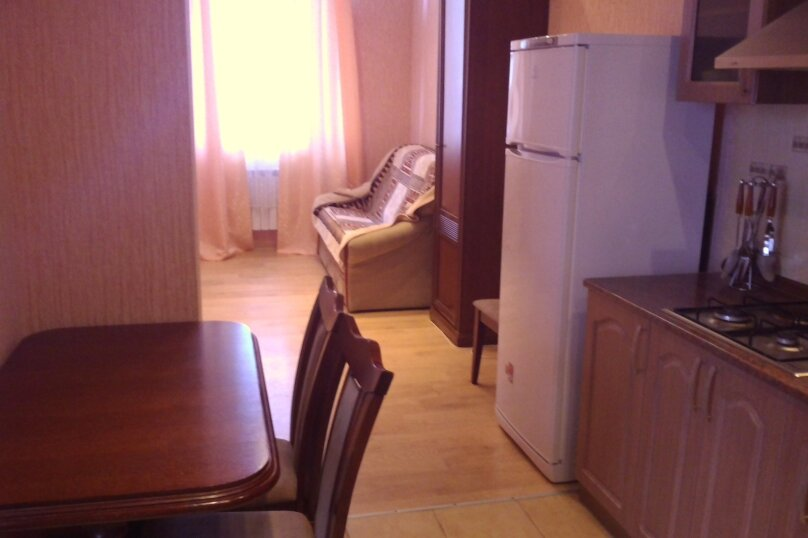 """Гостиница """"На Маратовской 28"""", Маратовская улица, 28 на 3 комнаты - Фотография 11"""