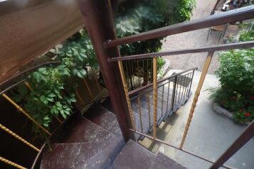 Гостевой дом , улица Мусы Мамута, 15 на 12 номеров - Фотография 2