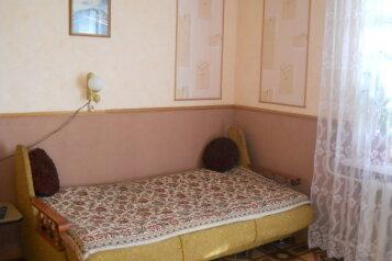 2-комн. квартира, 68 кв.м. на 6 человек, улица Октябрьская,  34, Алушта - Фотография 2