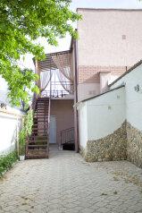 Гостевой дом , улица Ивана Франко, 16А на 7 номеров - Фотография 1