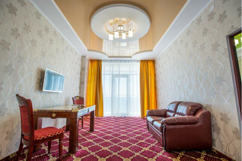 """Отель """"Россия"""", Набережная улица, 18 на 45 номеров - Фотография 3"""