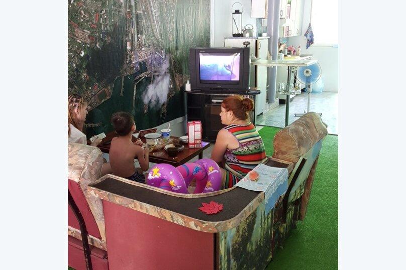 """Гостевой дом """"В гостях у Людмилы"""", Дачная улица, 32 на 5 комнат - Фотография 44"""