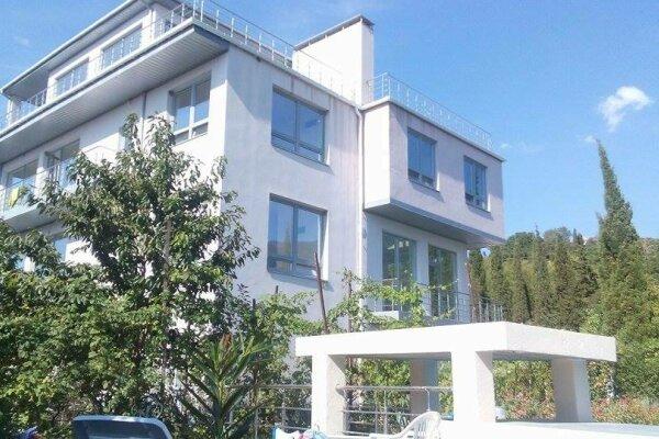 Гостевом дом с бассейном , Алуштинская, 21а на 15 номеров - Фотография 1