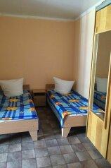 Дом 3, 35 кв.м. на 4 человека, 2 спальни, улица Мориса Тореза, Евпатория - Фотография 3