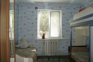 Дом, 90 кв.м. на 8 человек, 3 спальни, улица Мартынова, 16, Морское - Фотография 2
