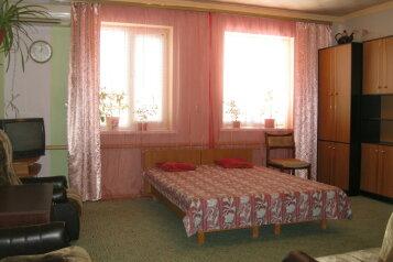 Дом, 90 кв.м. на 8 человек, 3 спальни, улица Мартынова, 16, Морское - Фотография 3