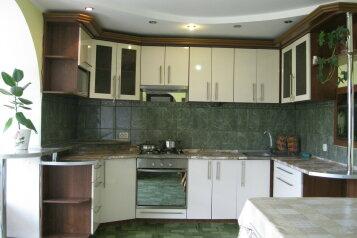 Дом, 90 кв.м. на 8 человек, 3 спальни, улица Мартынова, 16, Морское - Фотография 1