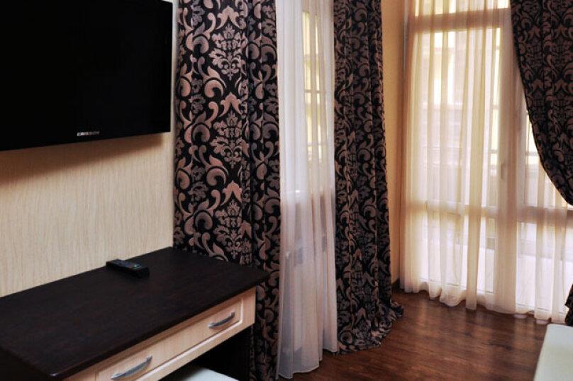 Двухкомнатный Люкс, улица Мира, 211/3, Витязево - Фотография 1