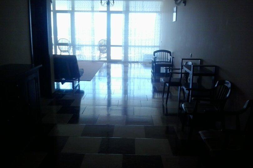 Люкс-апартаменты на 4 чел с кухней, террасой с видом на море(5этаж), улица Ленина, 35Б, Алупка - Фотография 6