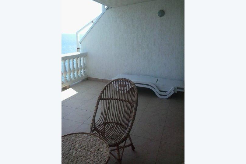 Люкс-апартаменты на 4 чел с кухней, террасой с видом на море(5этаж), улица Ленина, 35Б, Алупка - Фотография 13