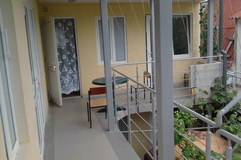 2 этаж на 2-3 чел с балкончиком, Заречная улица, 4, Алушта - Фотография 2