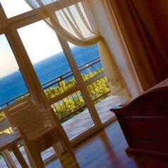 Гостевой дом с видом на море, улица Ленина, 64 В на 8 номеров - Фотография 2