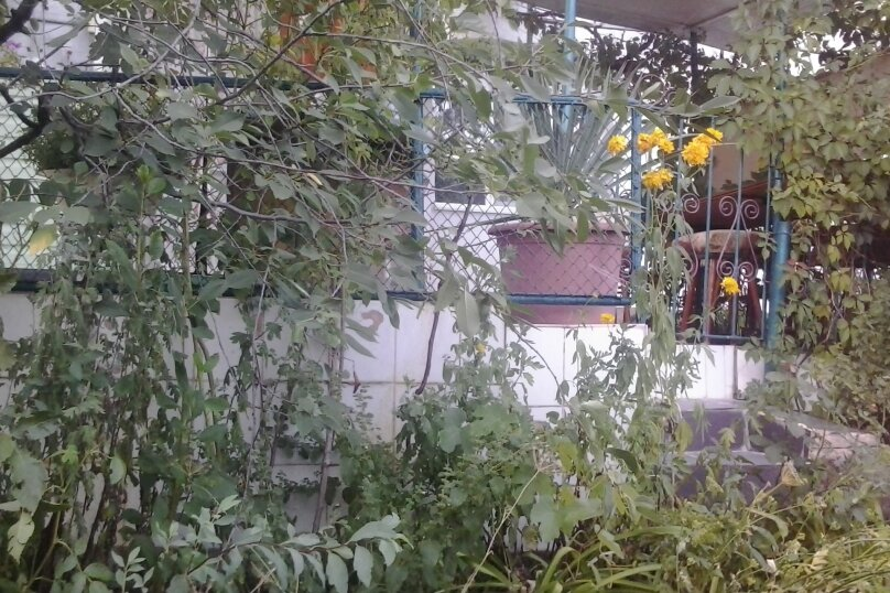 """Гостевой дом """"На Кипарисной 28"""", Кипарисная, 28 на 2 комнаты - Фотография 4"""