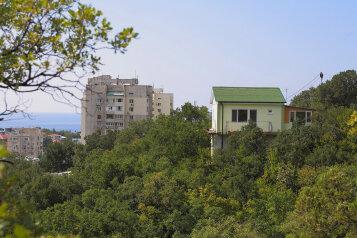 Гостевой дом в тихой зелёной зоне в 7 минутах ходьбы от моря, Космонавтов, 37-А на 4 номера - Фотография 2