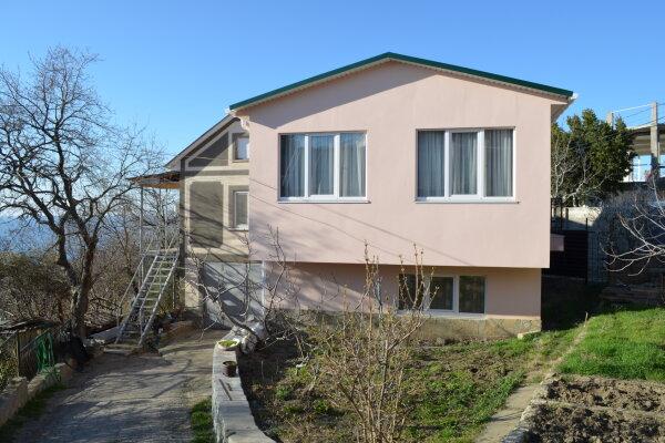 Гостевой дом , 100 кв.м. на 6 человек, 2 спальни, улица Виткевича, 13, Кацивели - Фотография 1