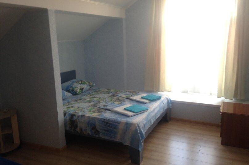 Двухместный номер с 1 двухместной кроватью и дополнительной кроватью, Благовещенский переулок, 11, Витязево - Фотография 1