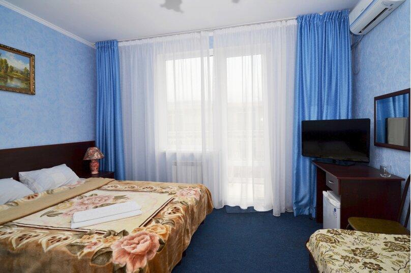 Семейный номер (с балконом), Мира, 17а, Кабардинка - Фотография 1