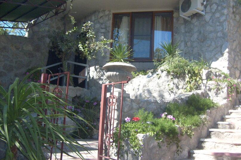 Уютный номер с отдельным двориком (ЗН), улица Шулейкина, 18 Б, Кацивели - Фотография 1