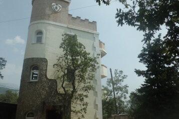 Гостевой дом в нижней части поселка недалеко от моря, улица Шулейкина на 9 номеров - Фотография 2