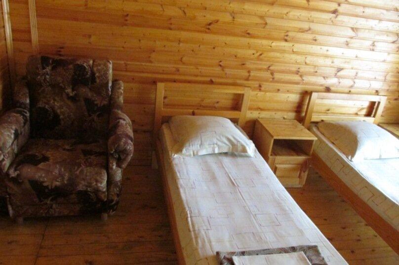 "Гостевой дом ""На Самбурова 175"", улица Самбурова, 175 на 4 комнаты - Фотография 17"
