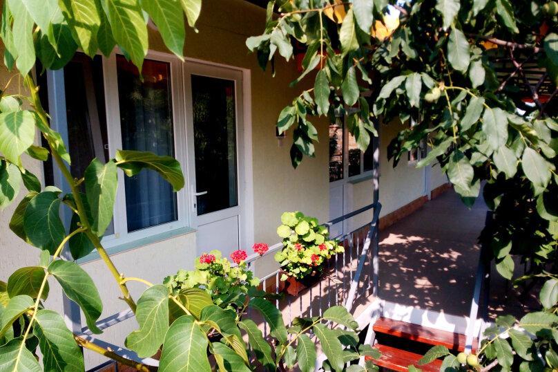 """Гостевой дом """"Прохлада"""", улица Генерала Бирюзова, 19 на 8 комнат - Фотография 2"""