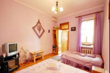 1-комн. квартира, 30 кв.м. на 3 человека, улица Дражинского, 42, Ялта - Фотография 1