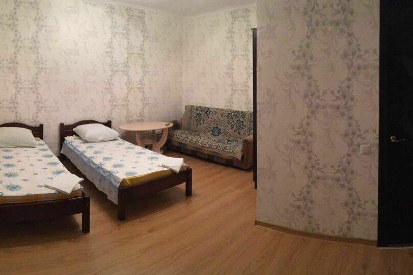 """Гостевой дом """"На Суворова 23"""", улица Суворова, 23 на 7 комнат - Фотография 4"""