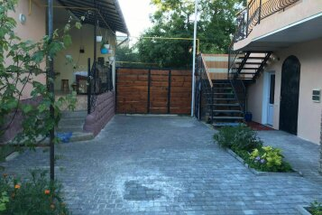 Двухэтажный коттедж, улица Суворова на 7 номеров - Фотография 2