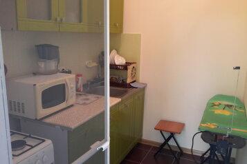 Хороший трехкомнатный котедж, 70 кв.м. на 9 человек, 3 спальни, Московская , 17, Феодосия - Фотография 3