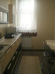 2й этаж дома г.Феодосия, 85 кв.м. на 6 человек, 2 спальни, 2-ой Кочмарский переулок, 15, Феодосия - Фотография 2