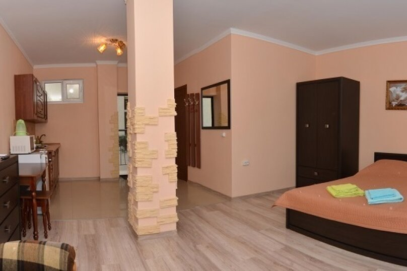 3-4-местный номер с кедровой кухней, Алупкинское шоссе, 17В, Гаспра - Фотография 1