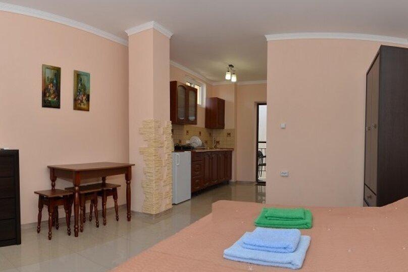Двухместный номер с кедровой кухней, Алупкинское шоссе, 17В, Гаспра - Фотография 1