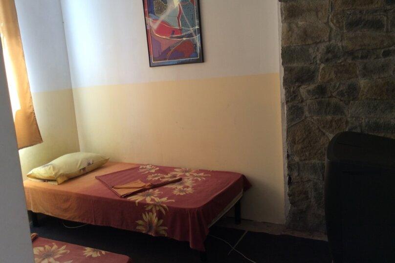 Номер 6  ( 2 комнаты), Говыриных, 17, Алупка - Фотография 3