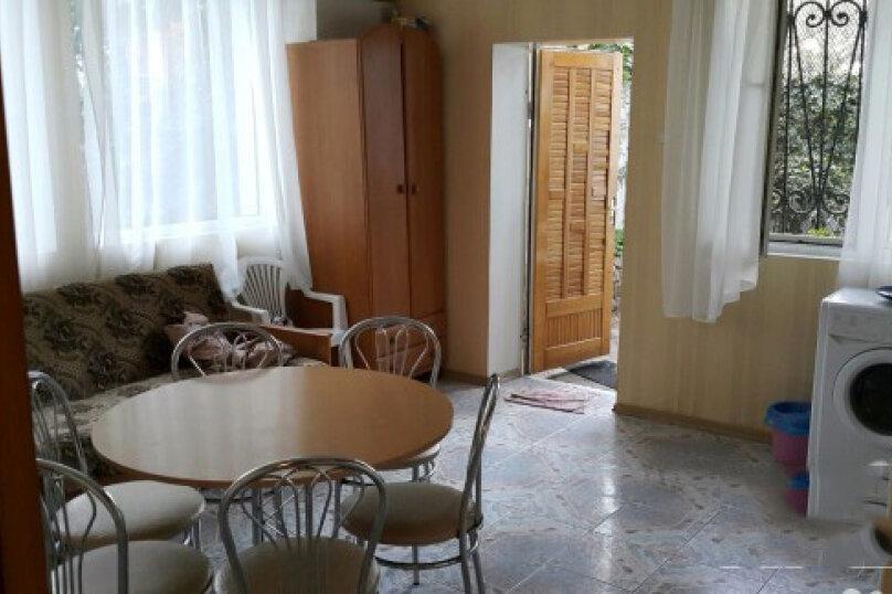 Дом, 55 кв.м. на 6 человек, 2 спальни, Садовая улица, 12, Ялта - Фотография 2