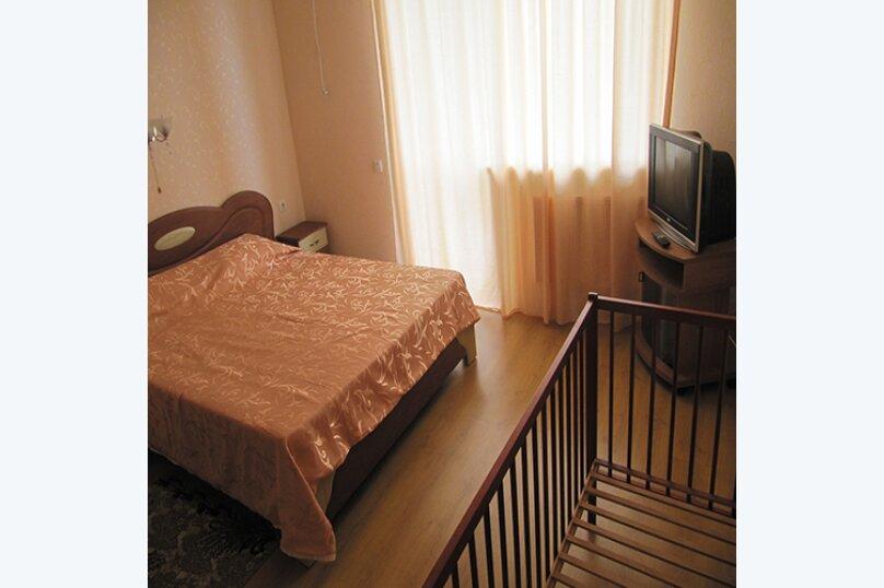 Просторные апартаменты на семью (2 этаж), Маратовская улица, 18В, Гаспра - Фотография 6