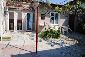 Дом, 1 кв.м. на 6 человек, 2 спальни, улица Ивана Франко, 16, Евпатория - Фотография 4