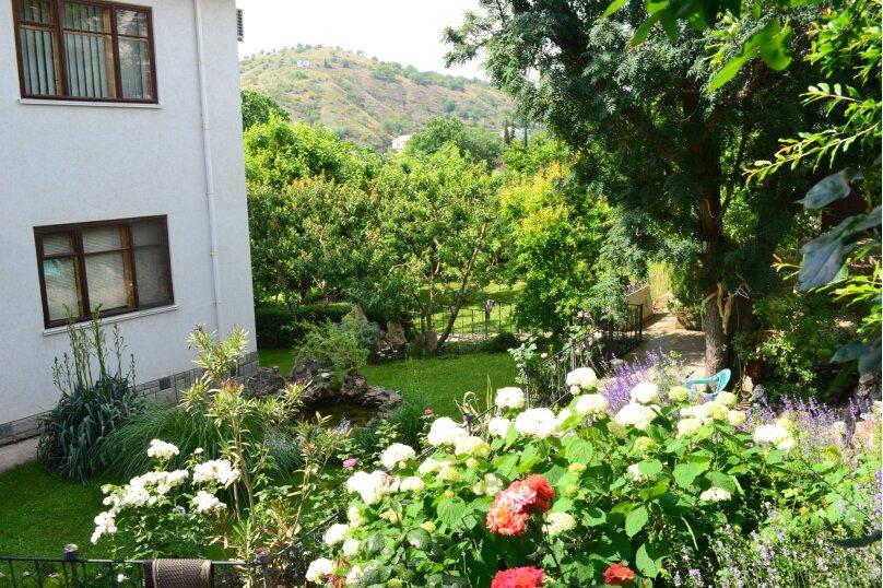 Гостевой дом на Лучистой, Лучистая, 18 на 8 комнат - Фотография 1