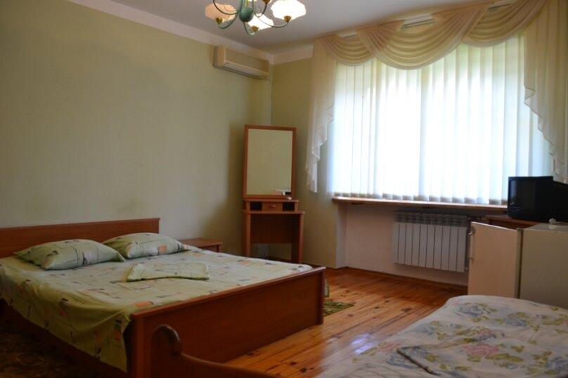 Гостевой дом на Лучистой, Лучистая, 18 на 8 комнат - Фотография 20