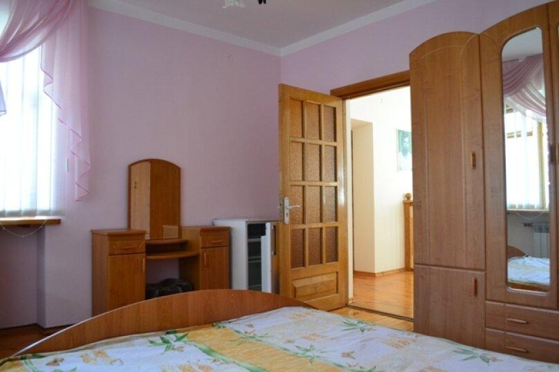 Гостевой дом на Лучистой, Лучистая, 18 на 8 комнат - Фотография 23