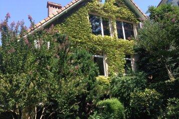 Дом, 360 кв.м. на 8 человек, 4 спальни, улица Серафимовича, 1, Сочи - Фотография 2