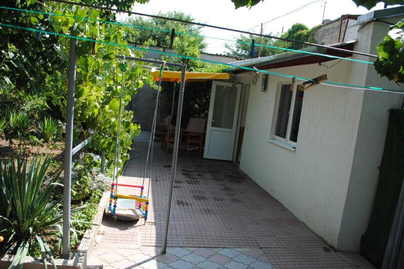 Дом, 1 кв.м. на 5 человек, 2 спальни, улица Ивана Франко, 16, Евпатория - Фотография 2