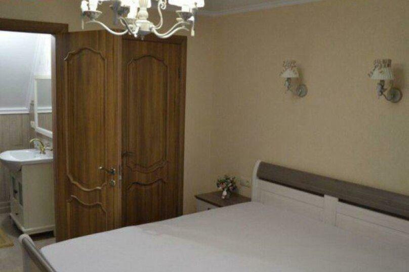 Дом Посуточно, 110 кв.м. на 8 человек, 3 спальни, Первомайская улица, 3, Геленджик - Фотография 2