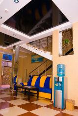 Отель , улица Богдана Хмельницкого, 48 на 24 номера - Фотография 2