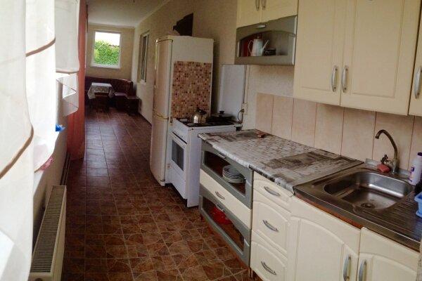 Дом под ключ   на 6 человек, 2 спальни, Виноградарей, 8, Судак - Фотография 1