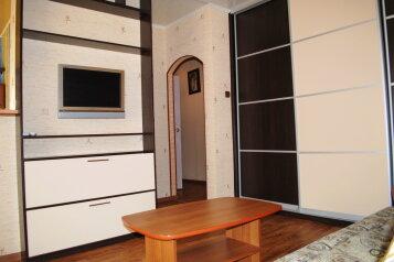 2-комн. квартира, 54 кв.м. на 5 человек, Комсомольский проспект, 24, Ленинский район, Пермь - Фотография 2