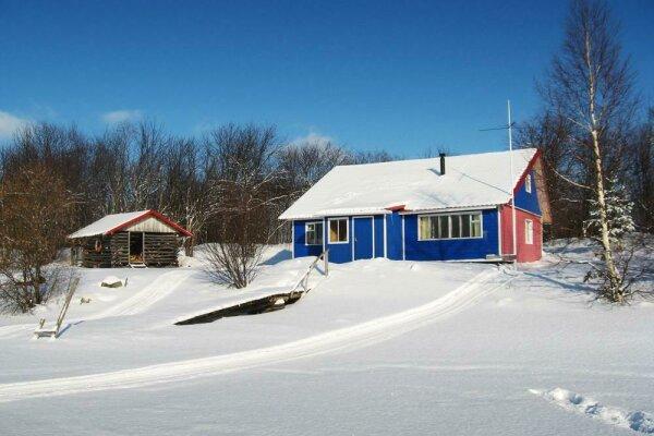 Синий дом, 100 кв.м. на 6 человек, 3 спальни