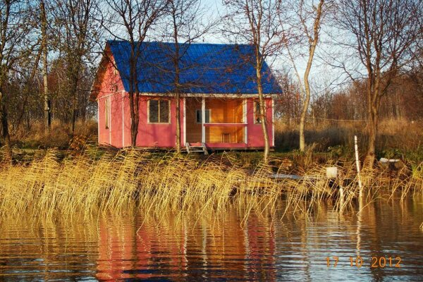 Розовый домик, 50 кв.м. на 4 человека, 2 спальни